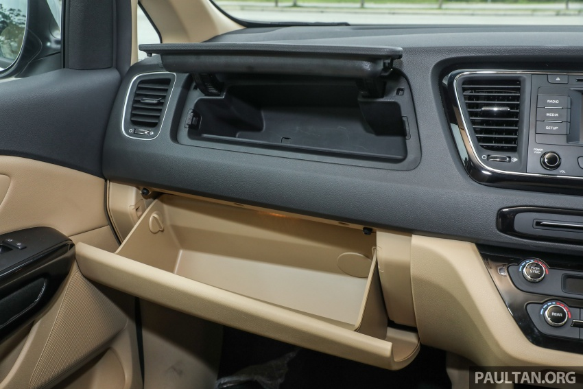 FIRST DRIVE: Kia Grand Carnival 2.2D video review Image #732817