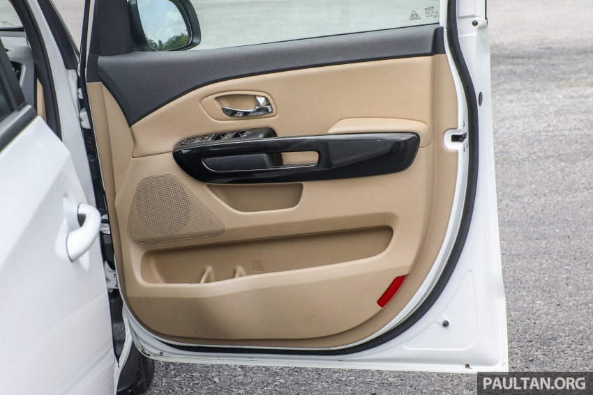 FIRST DRIVE: Kia Grand Carnival 2.2D video review Image #732829