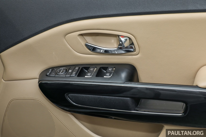 FIRST DRIVE: Kia Grand Carnival 2.2D video review Image #732831