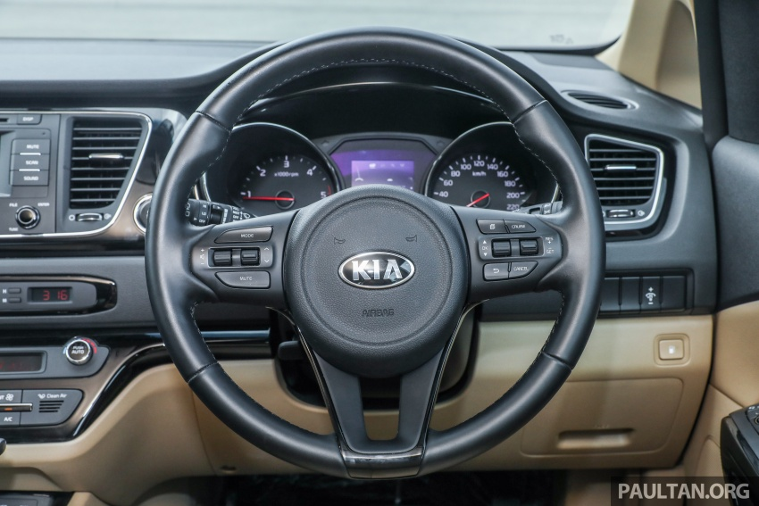 FIRST DRIVE: Kia Grand Carnival 2.2D video review Image #732806
