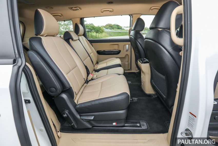 FIRST DRIVE: Kia Grand Carnival 2.2D video review Image #732835