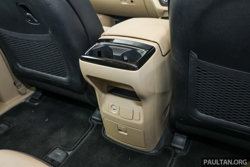 FIRST DRIVE: Kia Grand Carnival 2.2D video review Image #732843