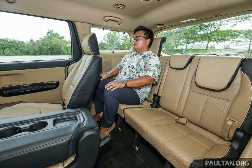 FIRST DRIVE: Kia Grand Carnival 2.2D video review Image #732845