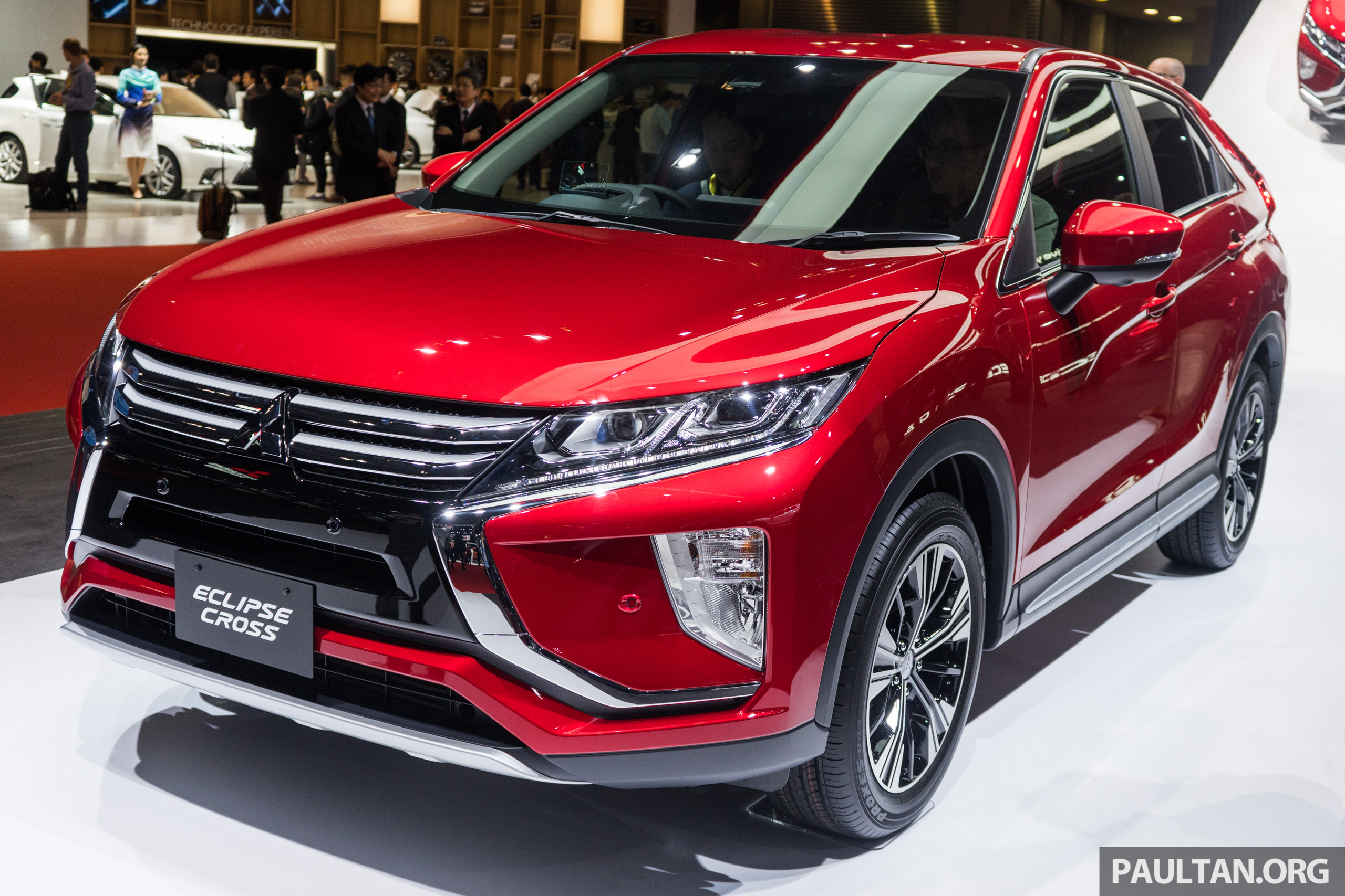 tokyo 2017 mitsubishi eclipse cross reuses iconic sports car name on suv gets new 163 ps 1 5t. Black Bedroom Furniture Sets. Home Design Ideas