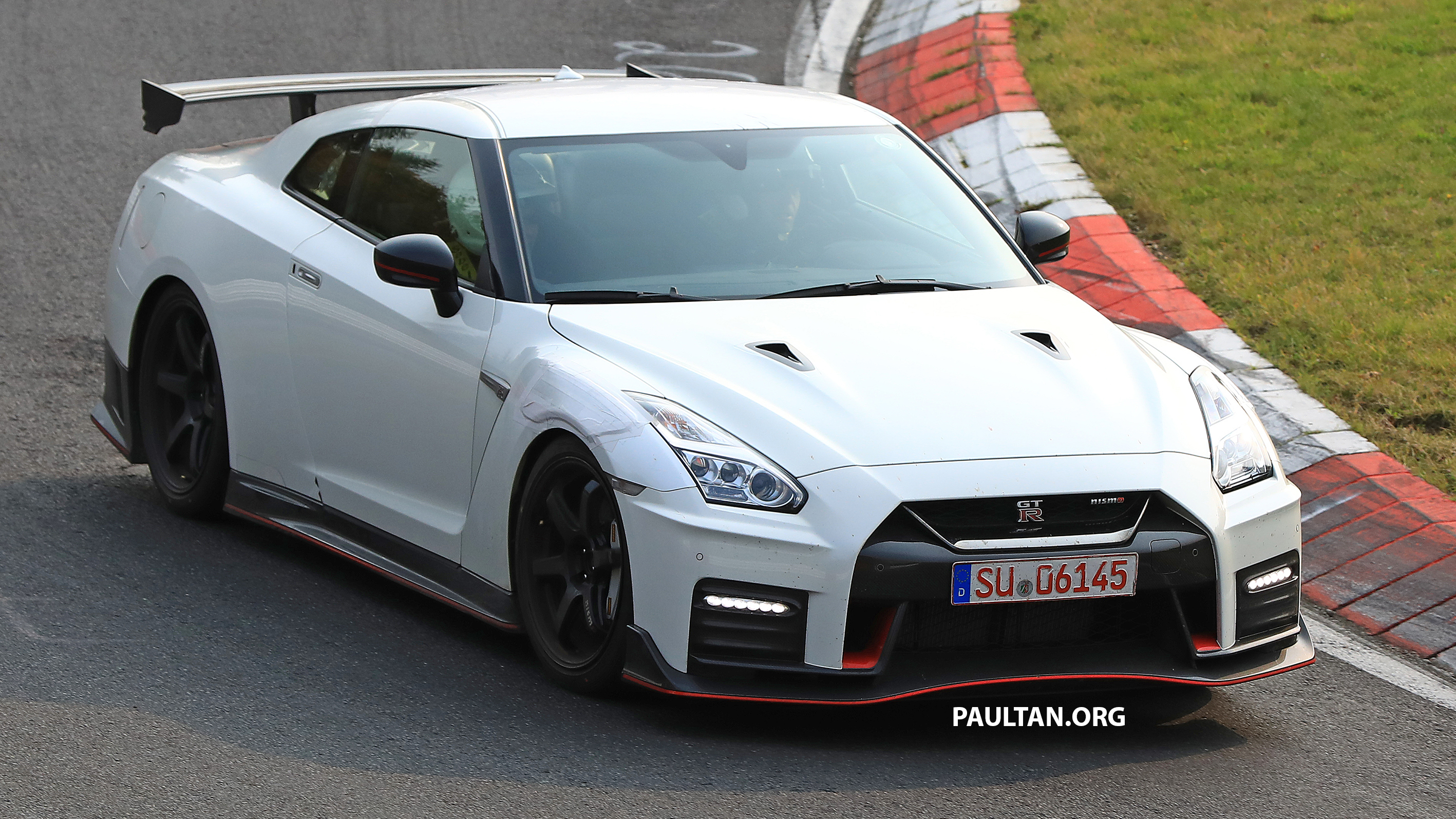 SPIED: 2019 Nissan GT-R Nismo seen at the 'Ring