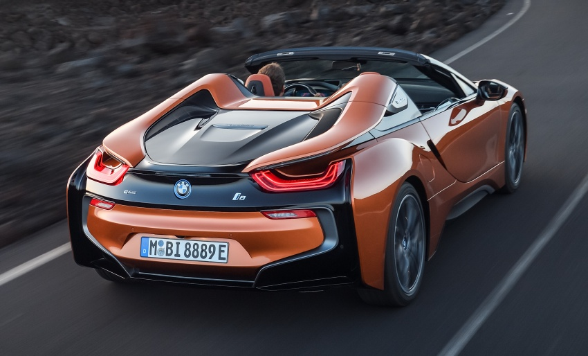 BMW i8 Roadster unveiled – only 60 kg heavier; i8 Coupe also gets new battery, 50% better EV range Image #745751