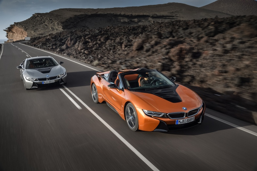 BMW i8 Roadster unveiled – only 60 kg heavier; i8 Coupe also gets new battery, 50% better EV range Image #745759