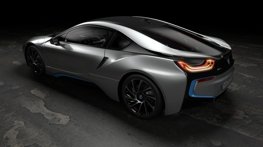 BMW i8 Roadster unveiled – only 60 kg heavier; i8 Coupe also gets new battery, 50% better EV range Image #745886