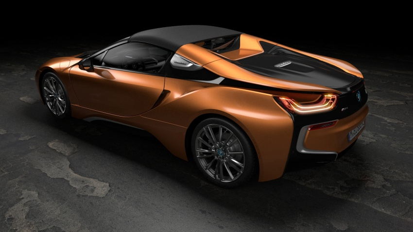 BMW i8 Roadster unveiled – only 60 kg heavier; i8 Coupe also gets new battery, 50% better EV range Image #745887