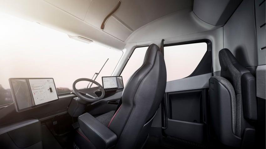 Tesla Semi – futuristic truck with Enhanced Autopilot; 0-97 km/h sprint in 20 seconds with 36-tonne load Image #740165