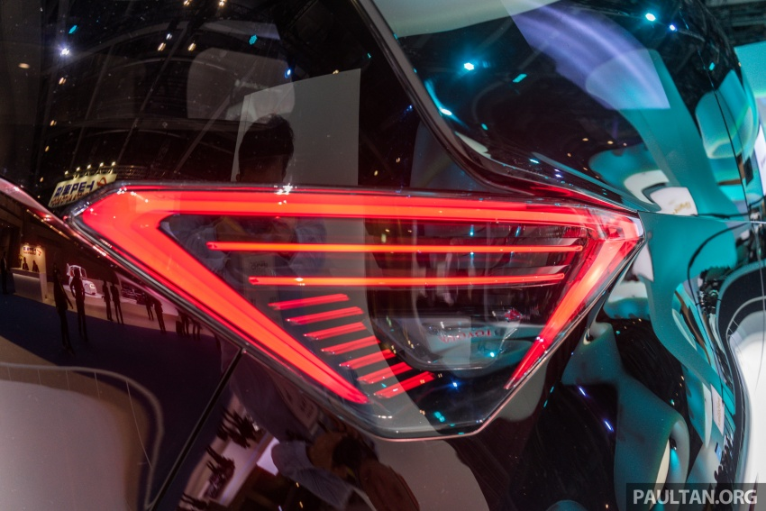 Tokyo 2017: Toyota Fine-Comfort Ride showcases new hydrogen technology – six seats, 1,000 km range Image #732084