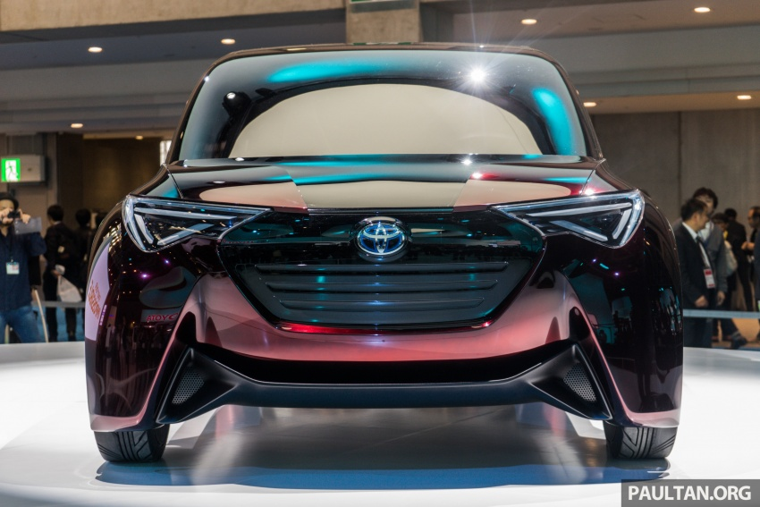 Tokyo 2017: Toyota Fine-Comfort Ride showcases new hydrogen technology – six seats, 1,000 km range Image #732072