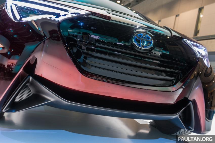 Tokyo 2017: Toyota Fine-Comfort Ride showcases new hydrogen technology – six seats, 1,000 km range Image #732077