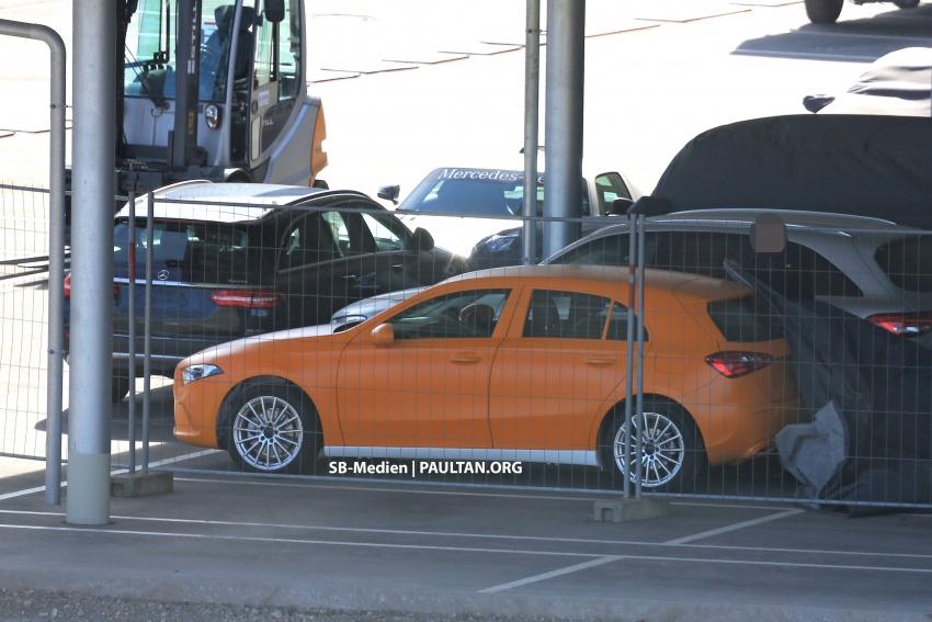 SPIED: 2018 Mercedes-Benz A-Class undisguised! Image #732018
