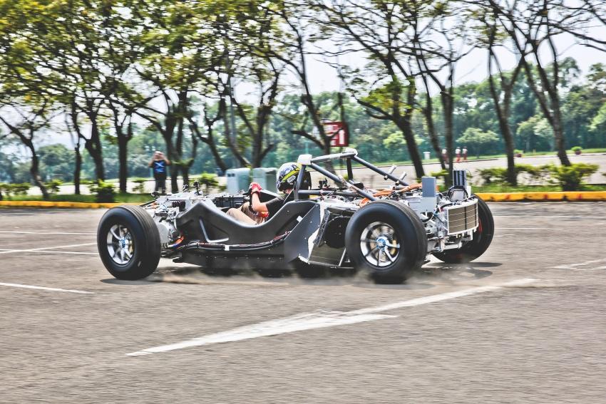 Xing Mobility Miss R – 1,341 hp Tesla Roadster killer? Image #743029