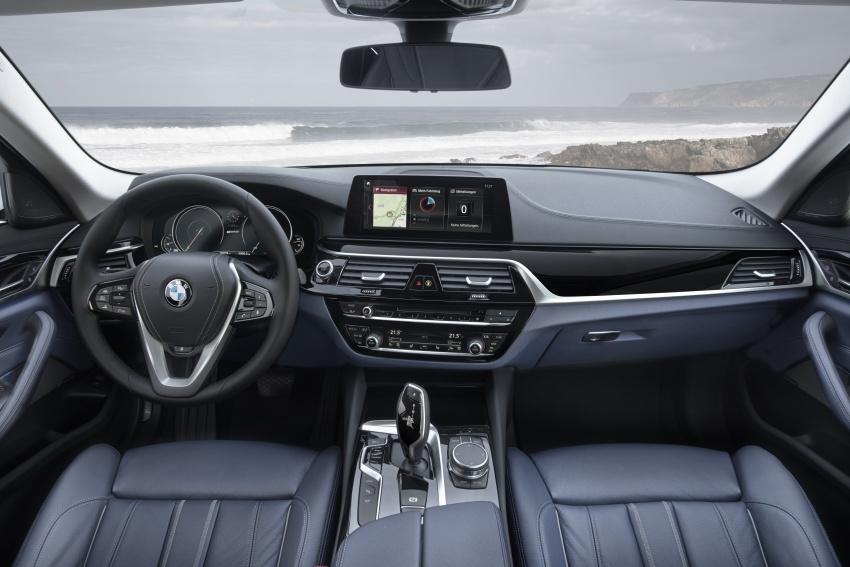 BMW 530e plug-in hybrid kini di Thailand – RM457k Image #742592