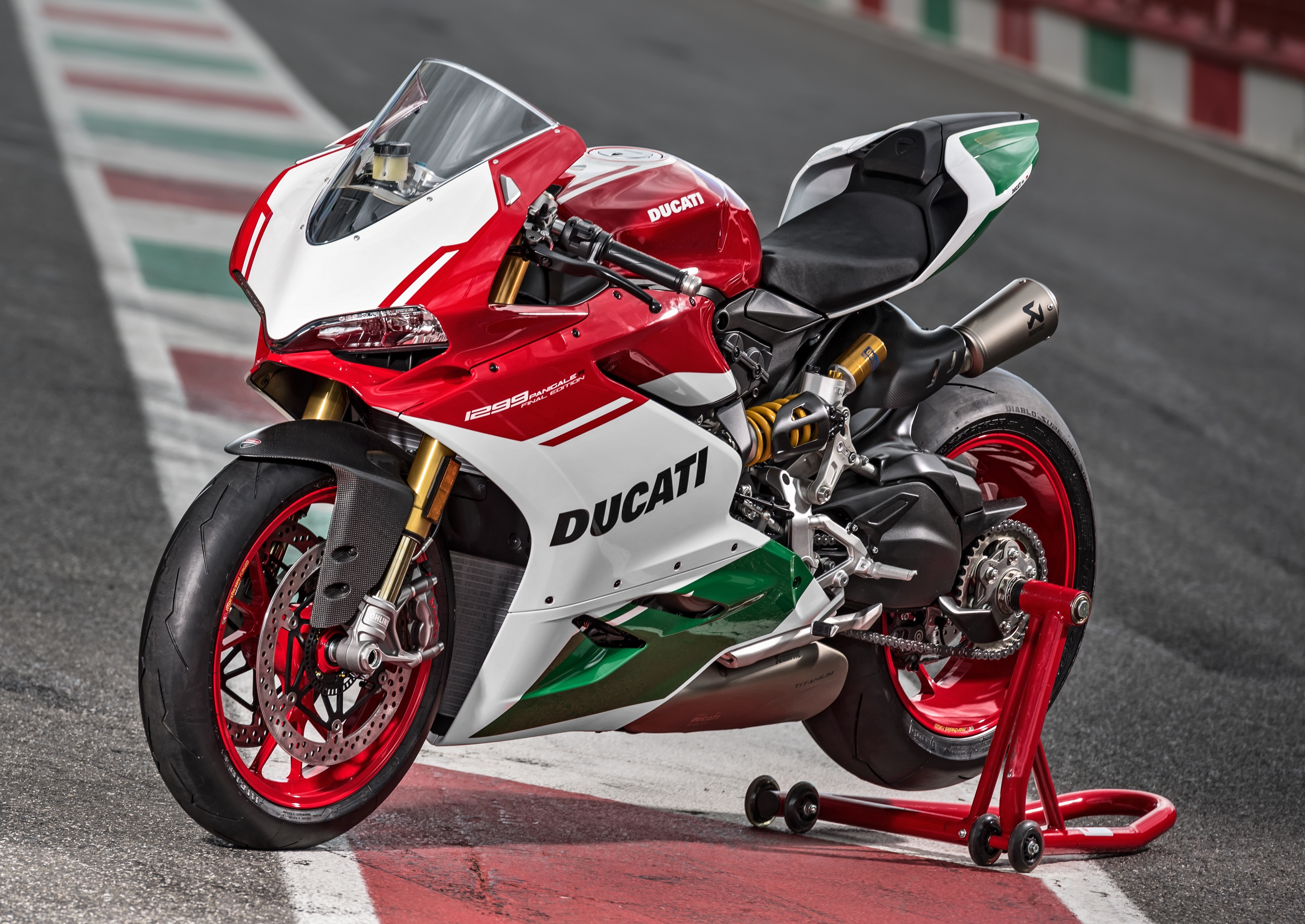 Ducati to sell 1299 Panigale V-twin till at least 2020 Image 749245