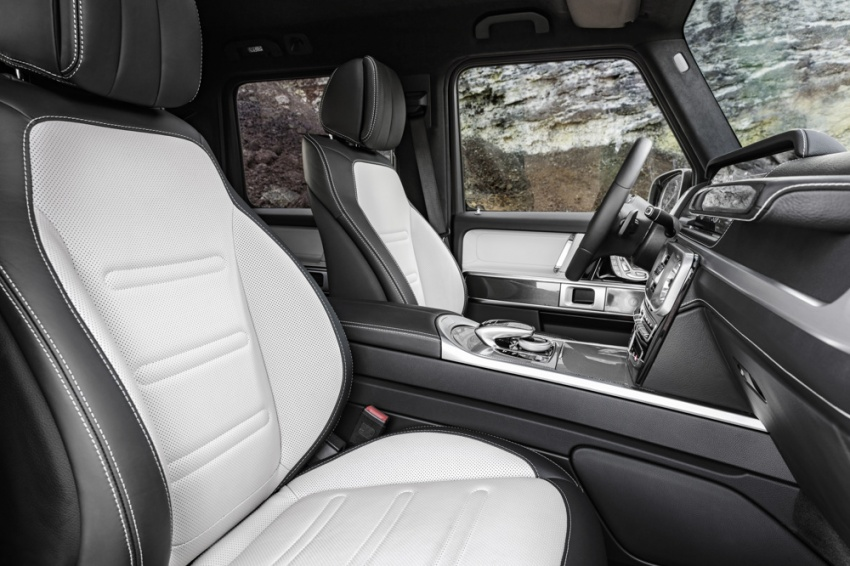 2019 Mercedes G-Class – official pics of new interior Image #749733