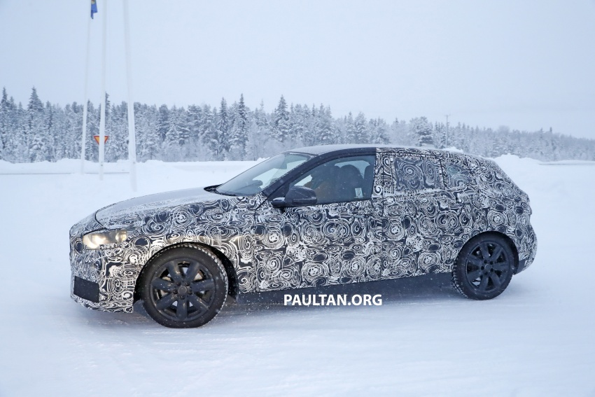 SPYSHOTS: BMW 1 Series goes testing out in the cold Image #754914