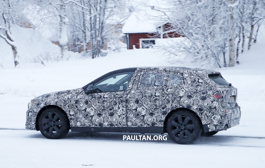 SPYSHOTS: BMW 1 Series goes testing out in the cold Image #754905