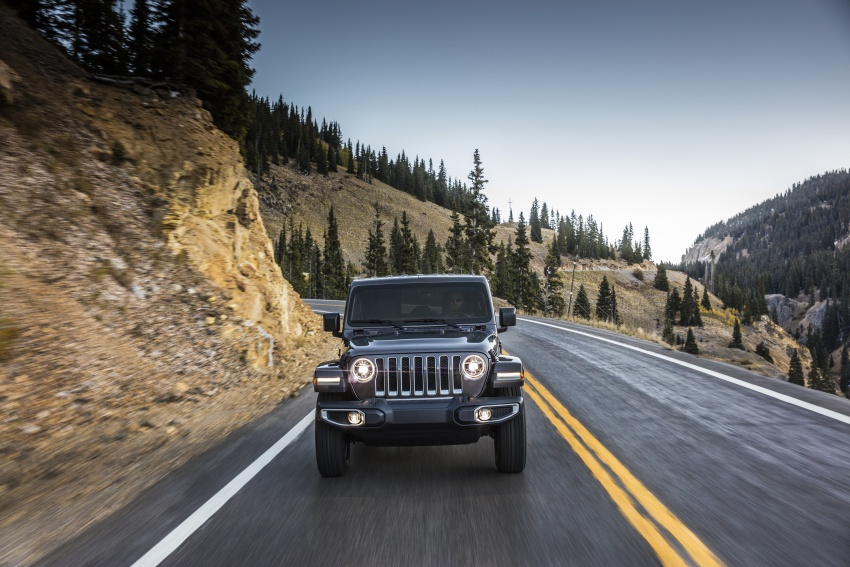2018 Jeep Wrangler gains new hybrid turbo engine Image #748176