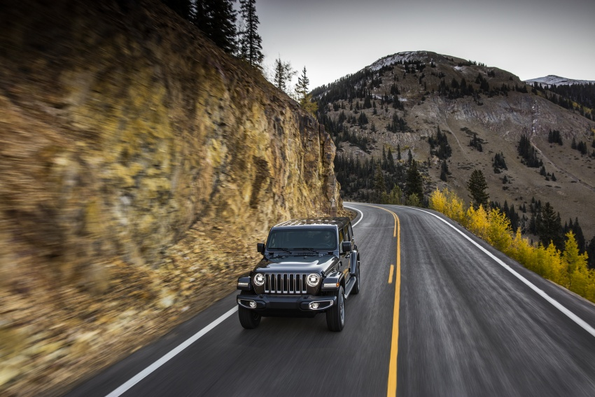 2018 Jeep Wrangler gains new hybrid turbo engine Image #748177