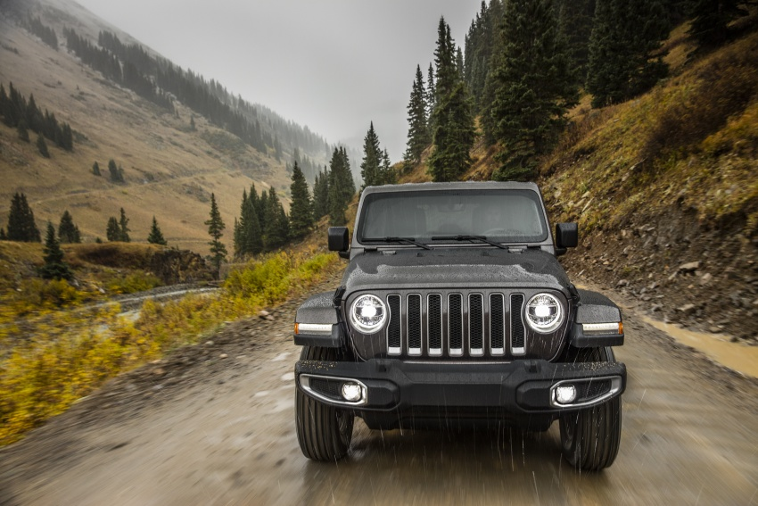 2018 Jeep Wrangler gains new hybrid turbo engine Image #748207