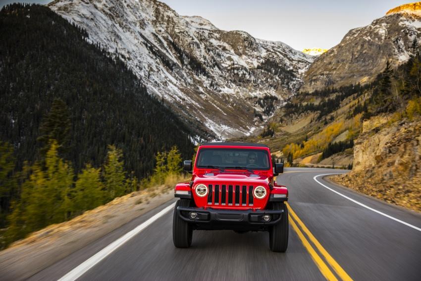2018 Jeep Wrangler gains new hybrid turbo engine Image #748237
