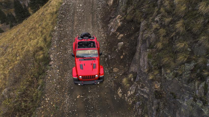 2018 Jeep Wrangler gains new hybrid turbo engine Image #748338