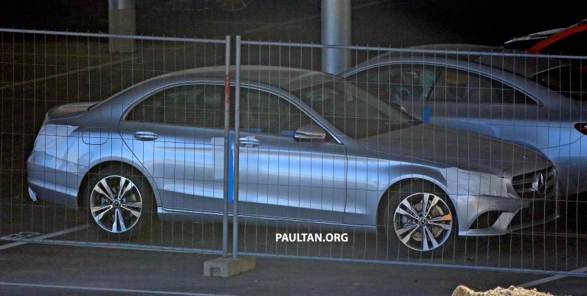 SPIED: Mercedes-Benz C-Class facelift loses camo Image #748532