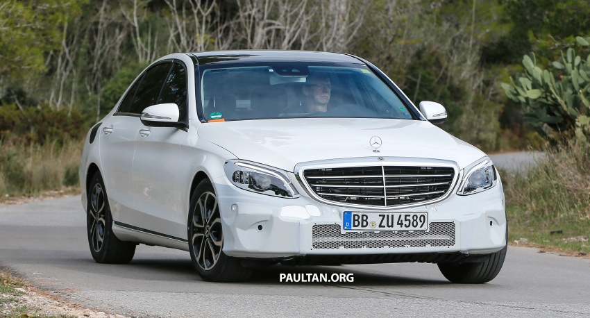 SPIED: Mercedes-Benz C-Class facelift loses camo Image #748535