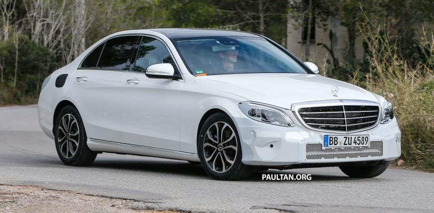 SPIED: Mercedes-Benz C-Class facelift loses camo Image #748537