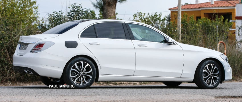 SPIED: Mercedes-Benz C-Class facelift loses camo Image #748541