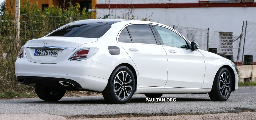 SPIED: Mercedes-Benz C-Class facelift loses camo Image #748542
