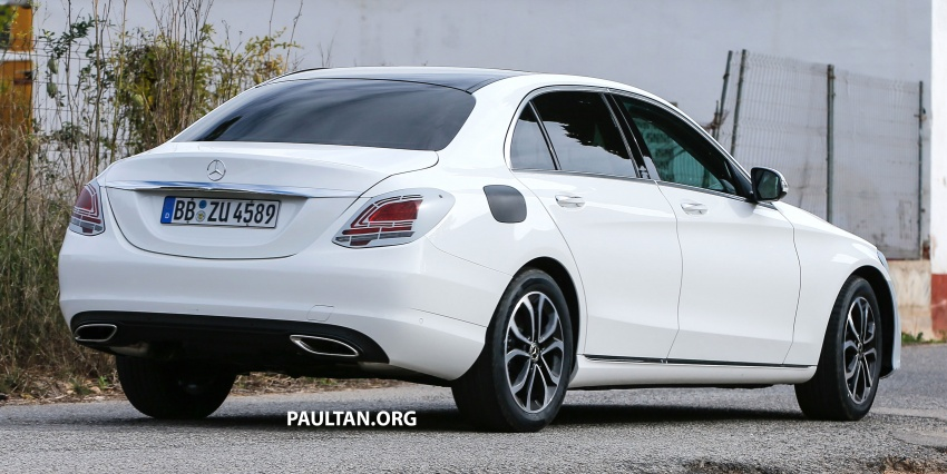 SPIED: Mercedes-Benz C-Class facelift loses camo Image #748543