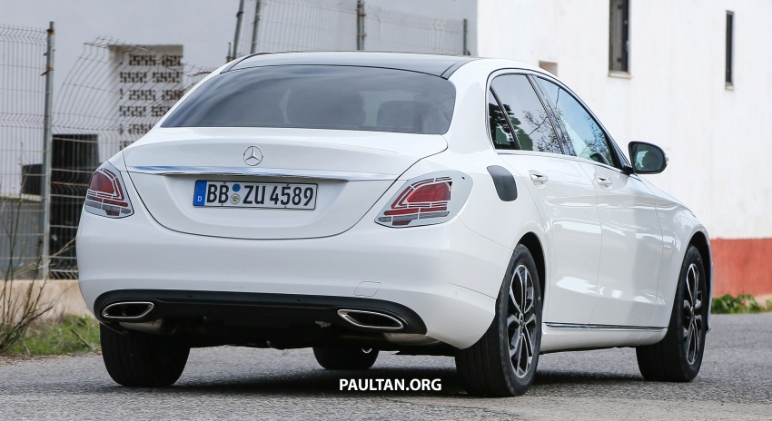 SPIED: Mercedes-Benz C-Class facelift loses camo Image #748544
