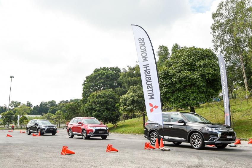 PANDU UJI: Mitsubishi Outlander 2.0L 4WD CKD – harga, kelengkapan jadi kelebihan; itu sudah cukup? Image #748037