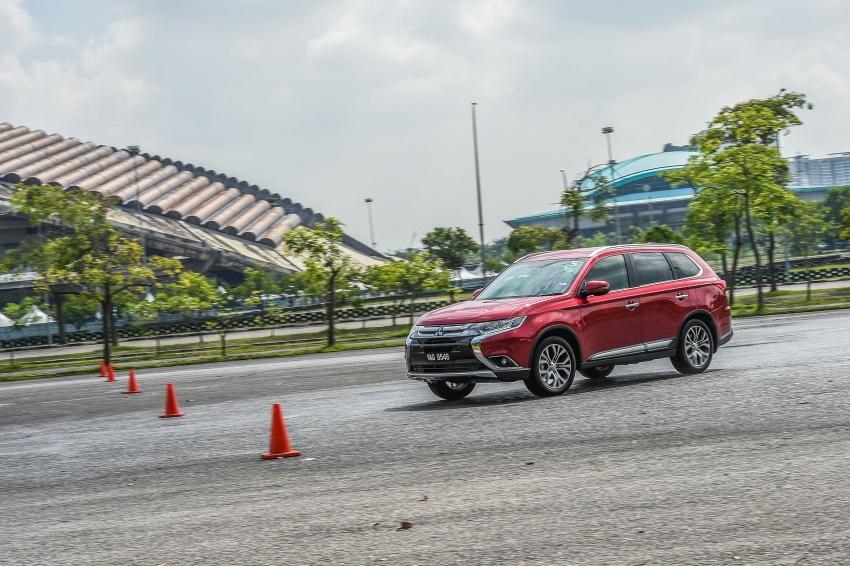 PANDU UJI: Mitsubishi Outlander 2.0L 4WD CKD – harga, kelengkapan jadi kelebihan; itu sudah cukup? Image #748039