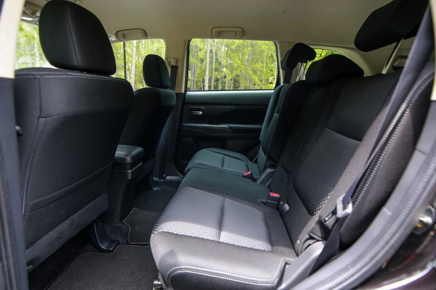 PANDU UJI: Mitsubishi Outlander 2.0L 4WD CKD – harga, kelengkapan jadi kelebihan; itu sudah cukup? Image #748117