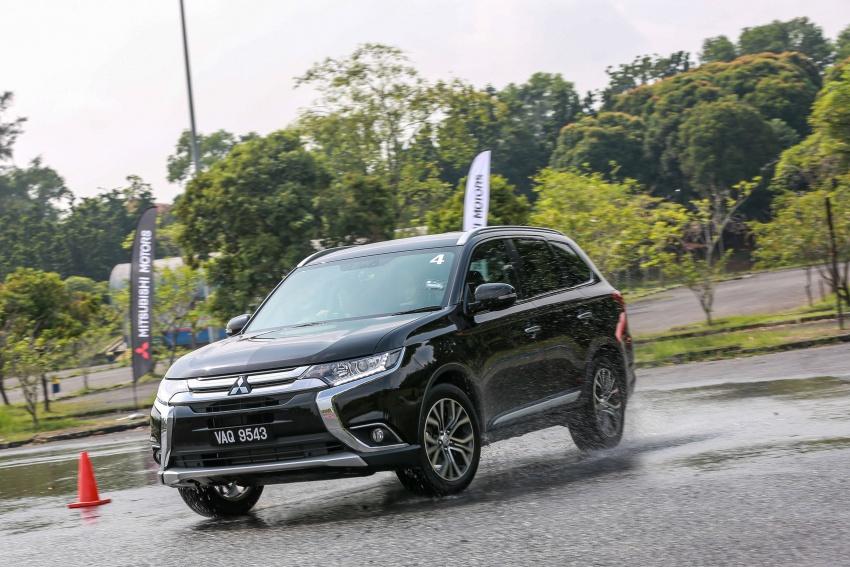 PANDU UJI: Mitsubishi Outlander 2.0L 4WD CKD – harga, kelengkapan jadi kelebihan; itu sudah cukup? Image #748066