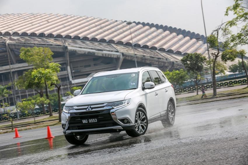 PANDU UJI: Mitsubishi Outlander 2.0L 4WD CKD – harga, kelengkapan jadi kelebihan; itu sudah cukup? Image #748073