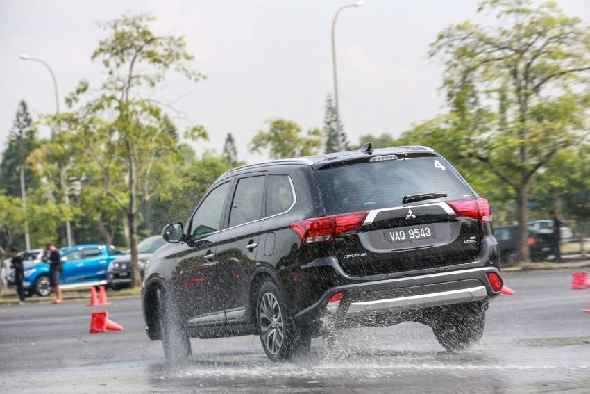 PANDU UJI: Mitsubishi Outlander 2.0L 4WD CKD – harga, kelengkapan jadi kelebihan; itu sudah cukup? Image #748075