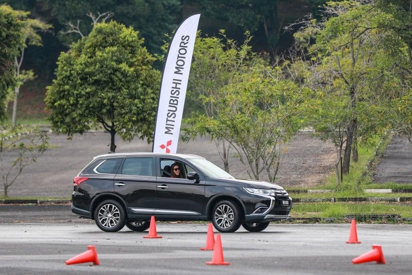 PANDU UJI: Mitsubishi Outlander 2.0L 4WD CKD – harga, kelengkapan jadi kelebihan; itu sudah cukup? Image #748080