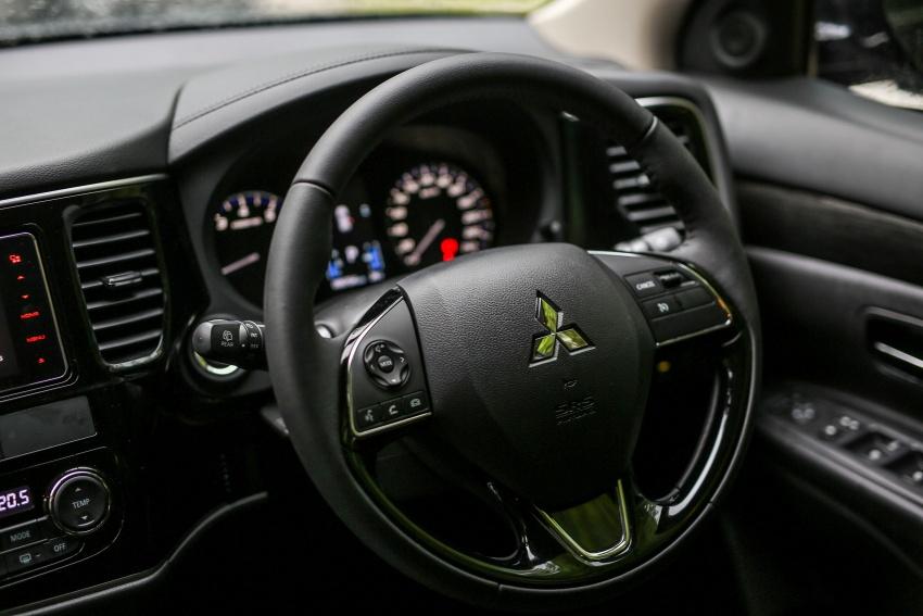 PANDU UJI: Mitsubishi Outlander 2.0L 4WD CKD – harga, kelengkapan jadi kelebihan; itu sudah cukup? Image #748102