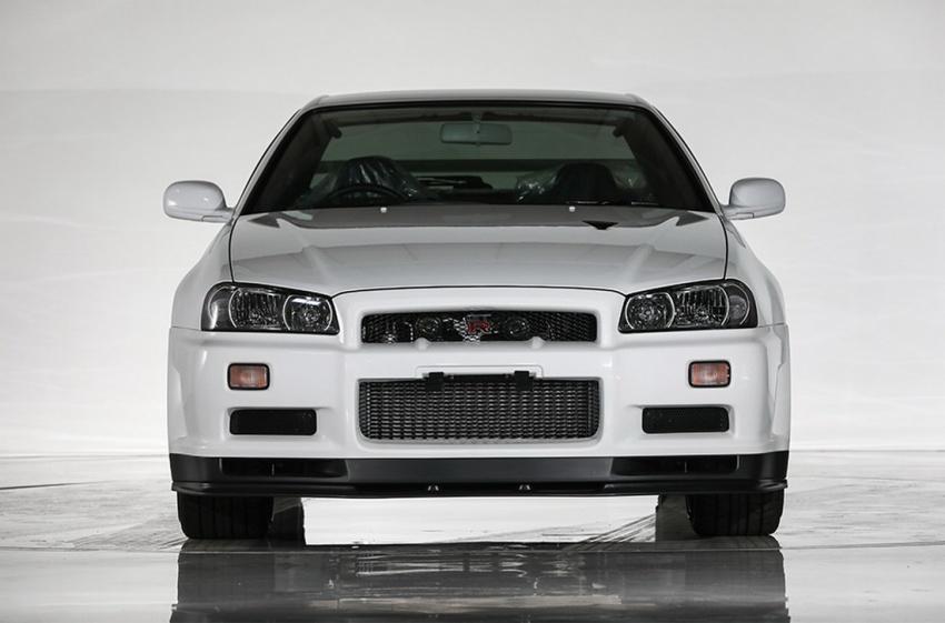 Nissan R34 V-Spec II Nür on auction – 10 km mileage Image #752066