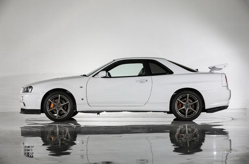 Nissan R34 V-Spec II Nür on auction – 10 km mileage Image #752068