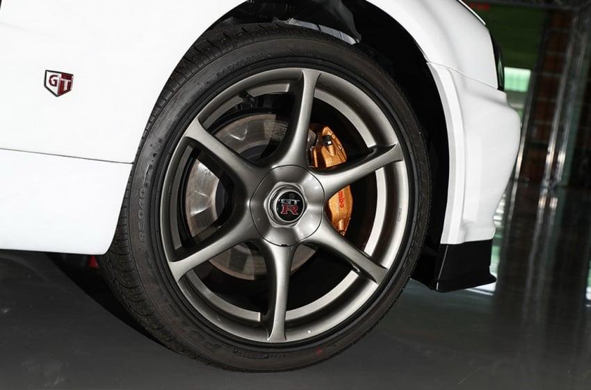 Nissan R34 V-Spec II Nür on auction – 10 km mileage Image #752077