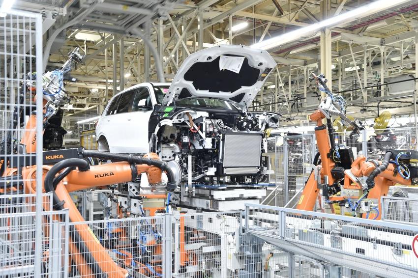 BMW X7 – big SUV teased ahead of late-2018 launch Image #752855