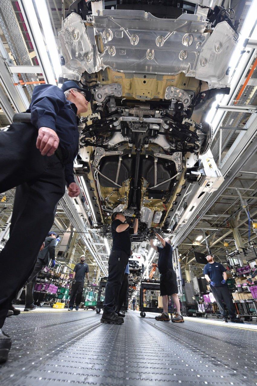 BMW X7 – big SUV teased ahead of late-2018 launch Image #752921