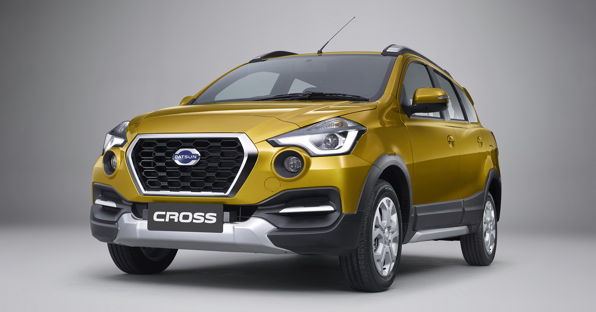 Datsun Cross 7-seat crossover debuts in Indonesia